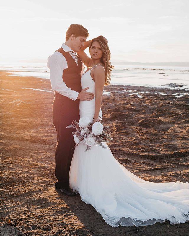 Sunset dreams * * * Photography: @briellisphotography Dress: @gypsybride Flowers: @gracefullybloomed Model: @emmy__ly * * #gypsybride #love #utahvalleybride #utahbride #utahlove #weddingdress #weddingdesigner #instawed #realweddings #weddingbliss #weddingdressshopping #bride2019 #bride2be #weddingfashion #weddings2019 #2020bride #2020wedding #isaidyes #sayyestothedress #bridalstore #newyork #newyorkbride