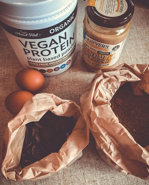 Ingredients for peanut butter chocolate chip protein cookies! Recipe by @ ferretfitness 😉