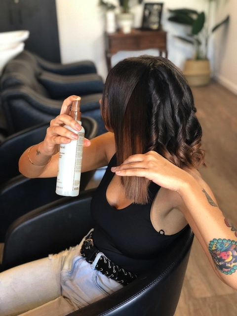 (hint; Spray at least 20cm away from hair.  This spray is light enough to comb through, but if sprayed too close it will wet the hair too much)