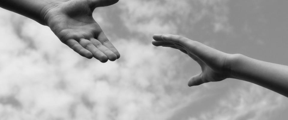 149081914 Helping Hands.3f0775bf246b88032e01dd3908ea33ac.jpg