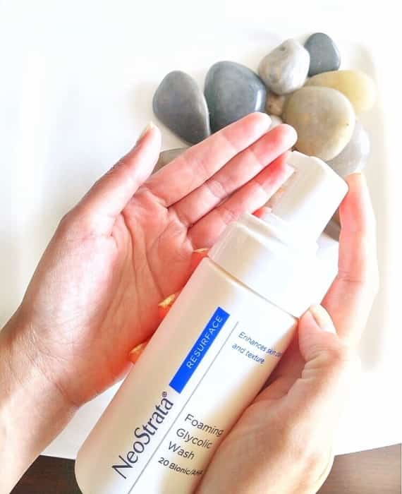 Glycolic acid, a core ingredient in NeoStrata Foaming Wash, has the smallest molecule of all the acids in most skin-care products, so it penetrates the skin more effectively.