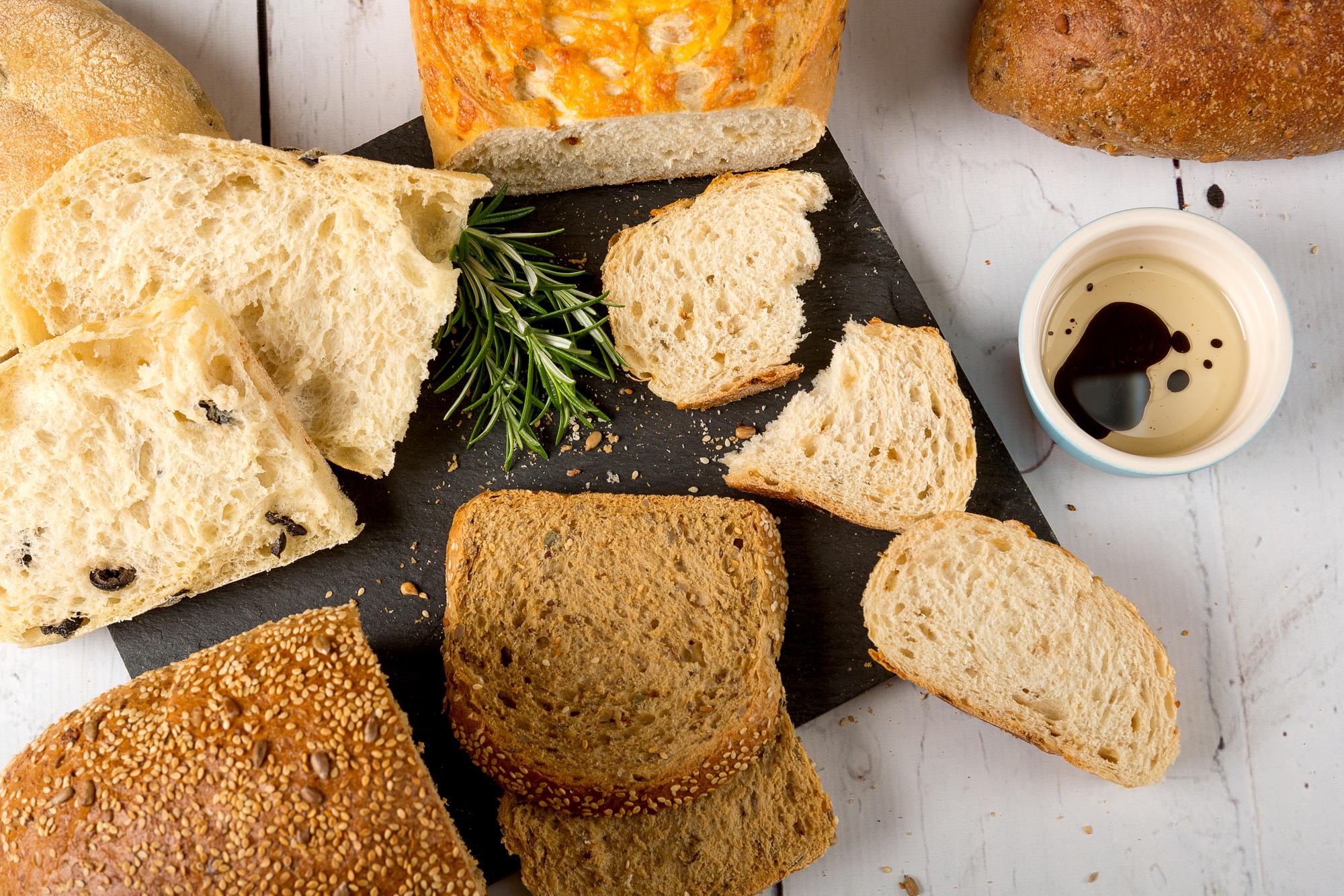 Bread-&-dips.jpg