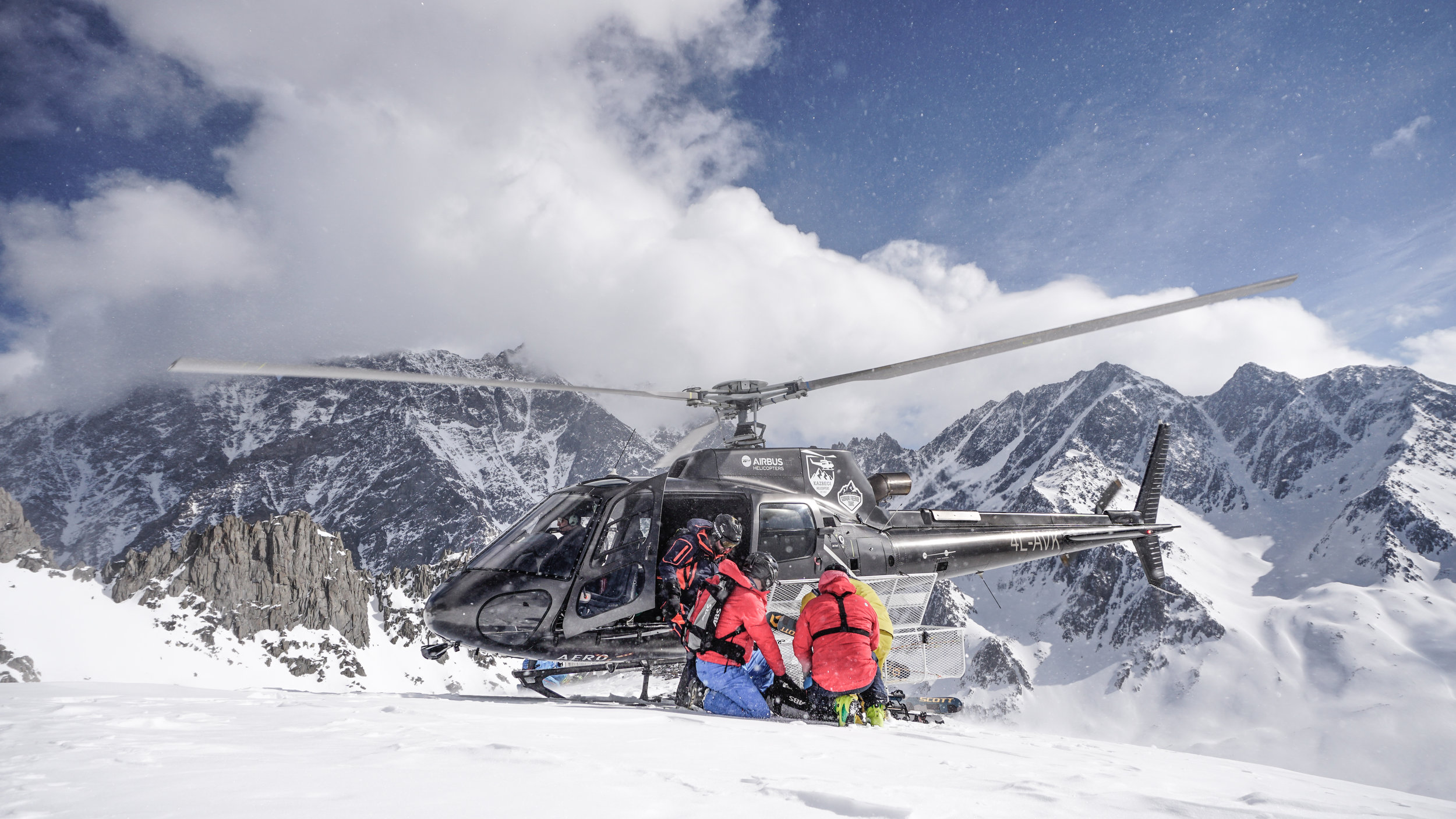 Our Heli-skiing Service -