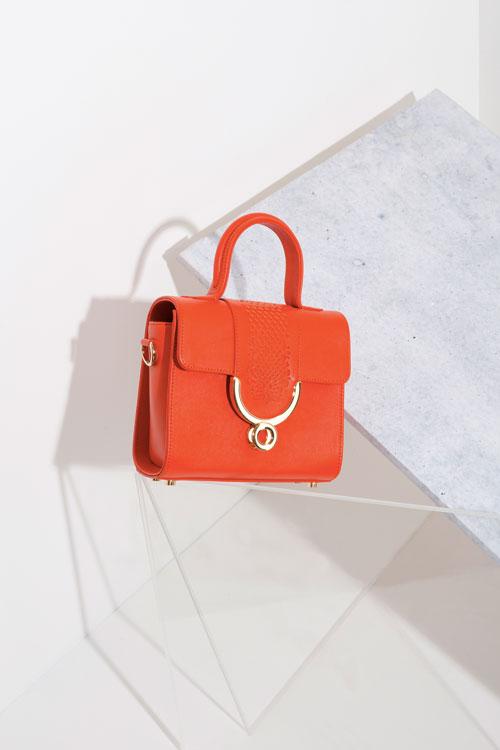 Ennigaldi-oange-Sarpanit-handbag.jpg