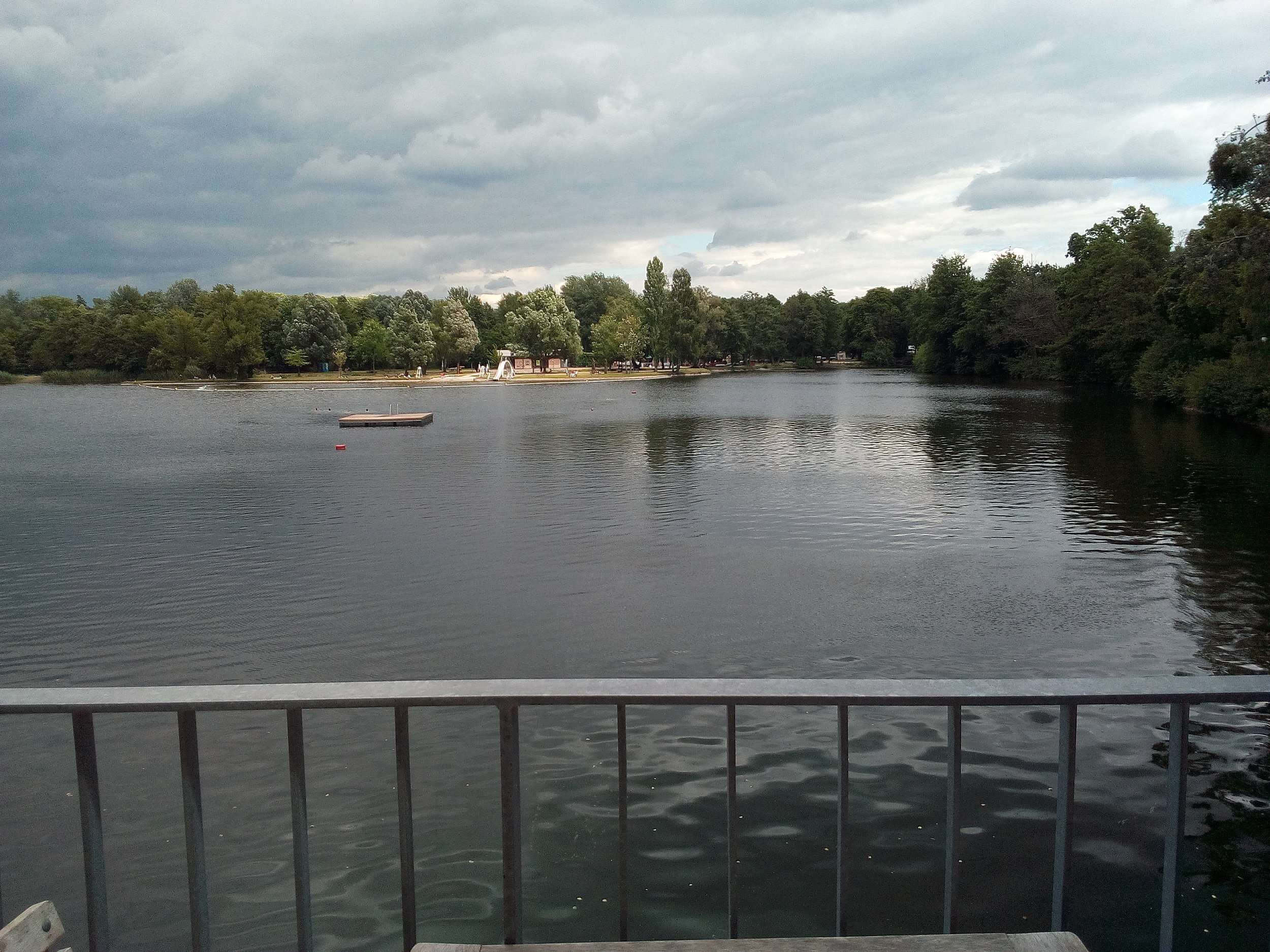 view from our table, looking right at the lake #lake #woog #darmstadt #photography #phylleli #wellnessblogger #lifestyleblog