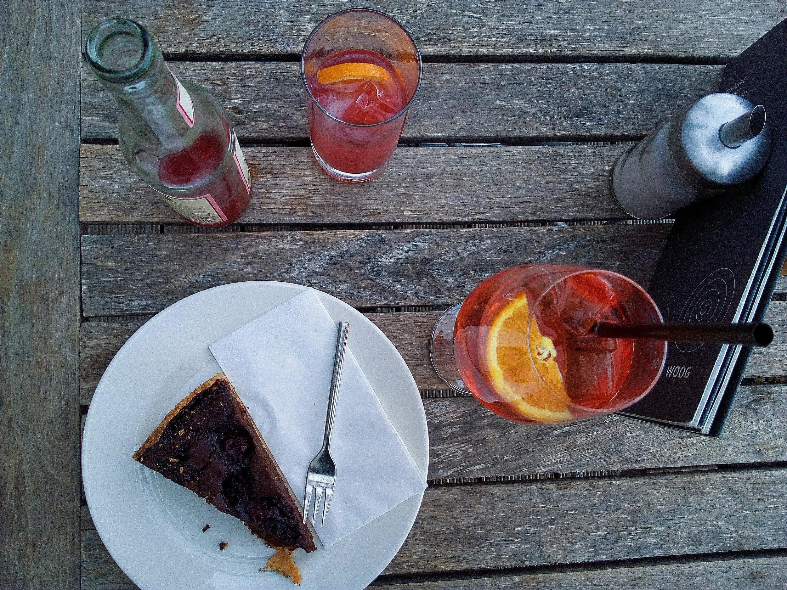 Woog Café serves delicious homemade cake and drinks #cake #lethemhavecake #aperolspritz #summerdrink #lemonade #woogcafe