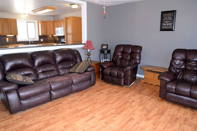 3699 Stage Coach Rd-small-009-18-Main Living Area-666x444-72dpi.jpg