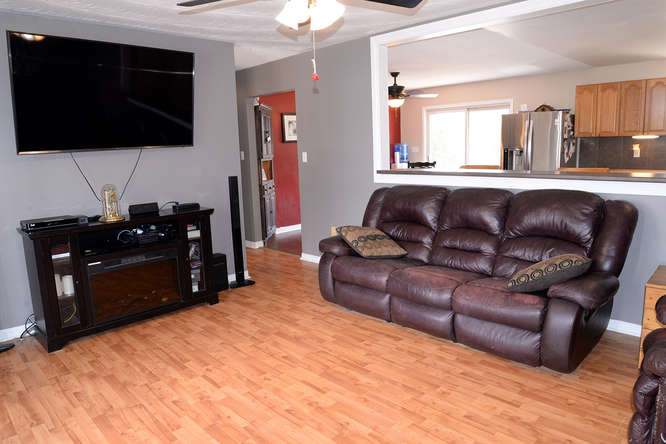 3699 Stage Coach Rd-small-011-34-Main Living Area-666x445-72dpi.jpg