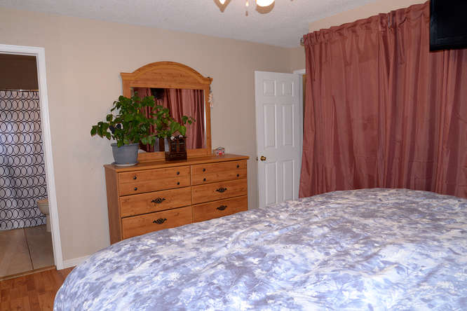 3699 Stage Coach Rd-small-027-36-Master Bedroom Ensuite-666x444-72dpi.jpg