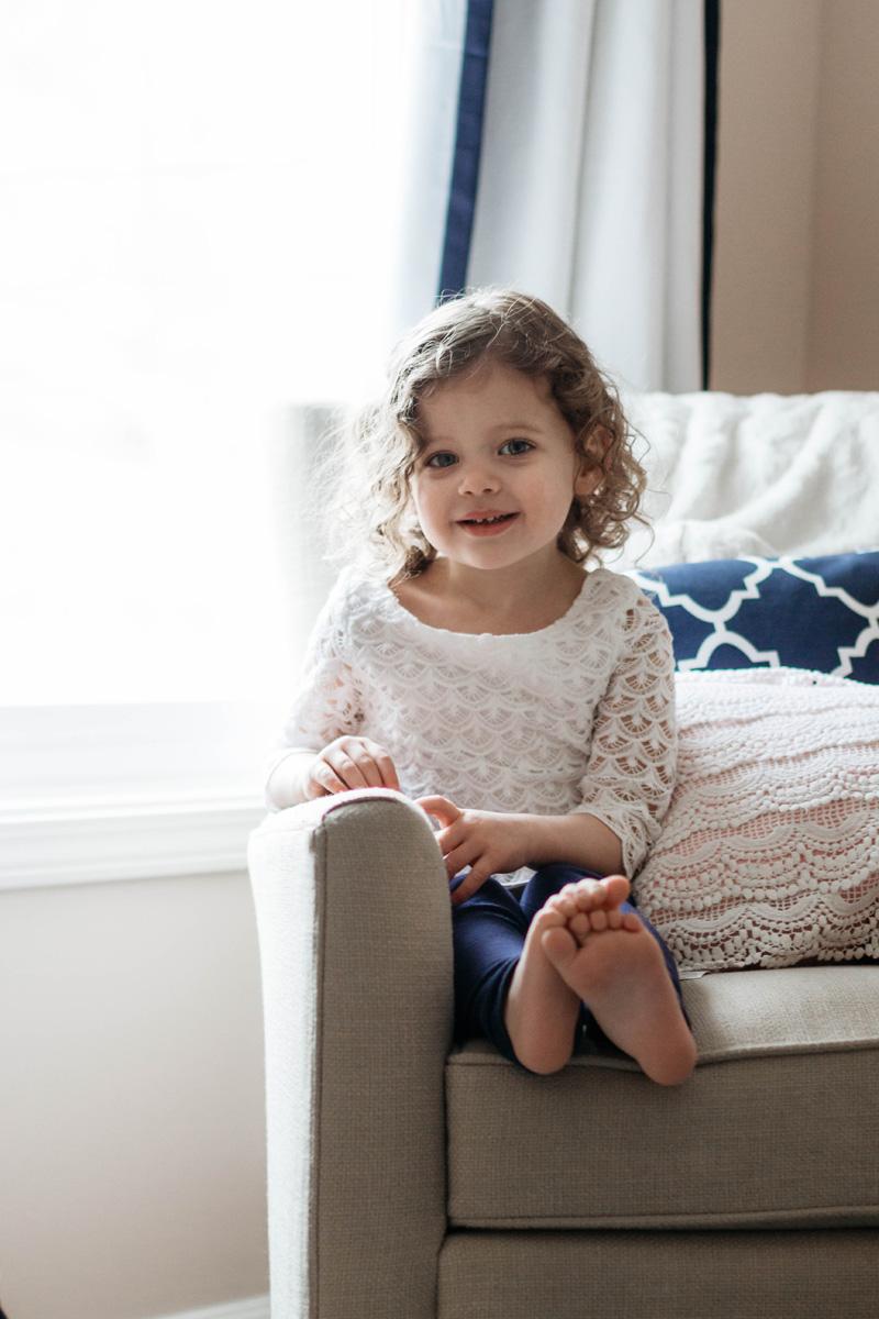 big sis - newborn session baby e - laura barr photography