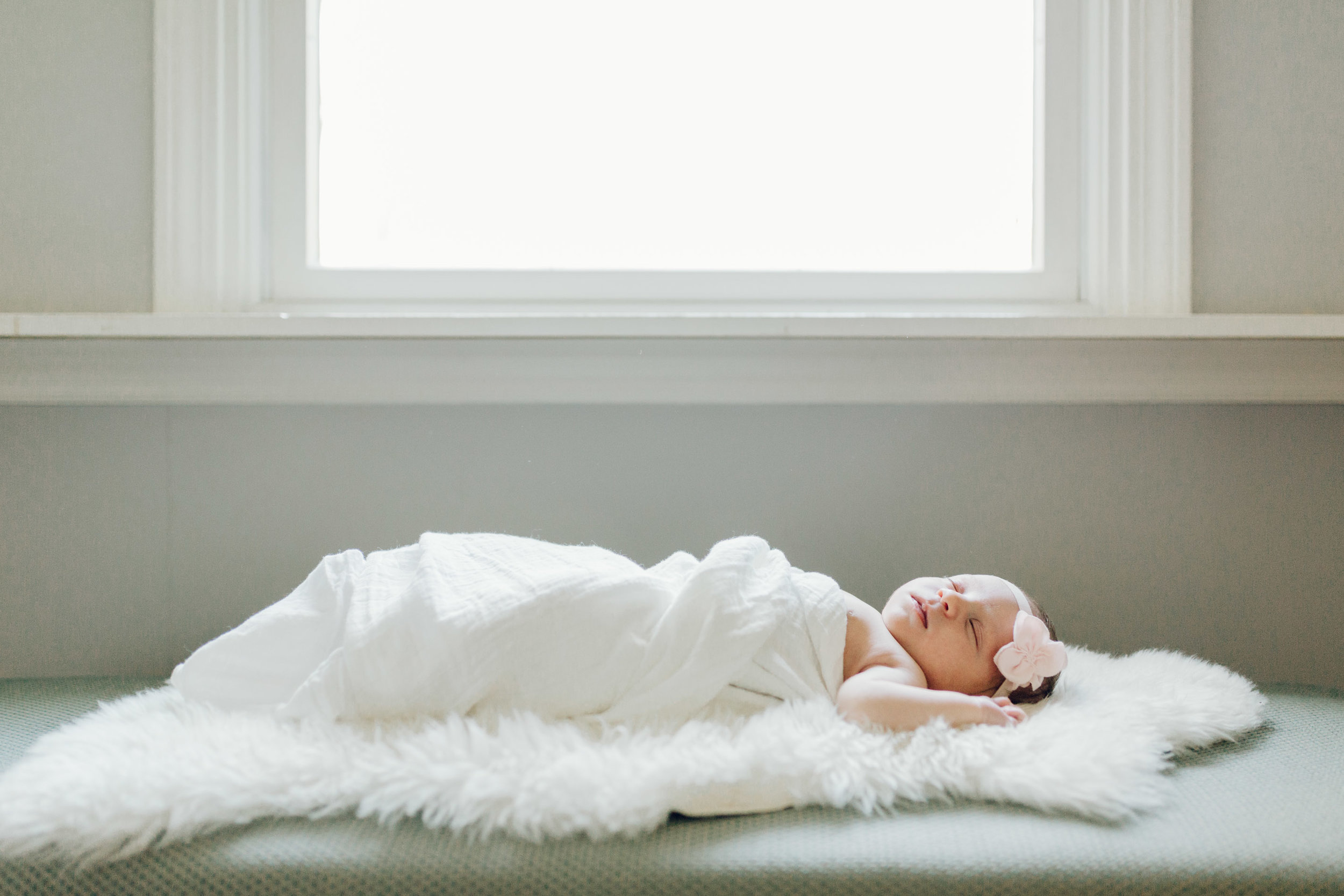 beautiful natural newborn photography by laura barr in greenwich connecticut