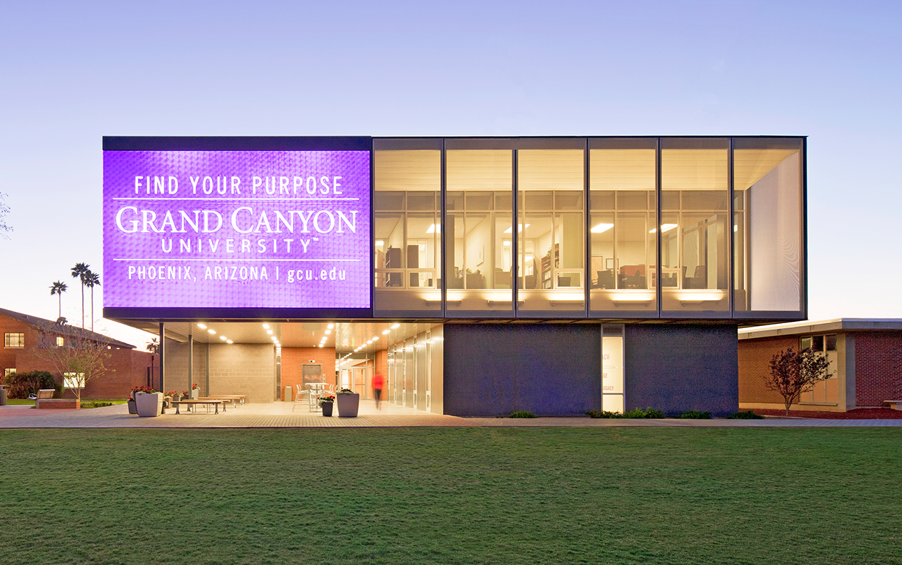 Grand-Canyon-University-College-of-Education_0000__L7C6215_edited-2.png