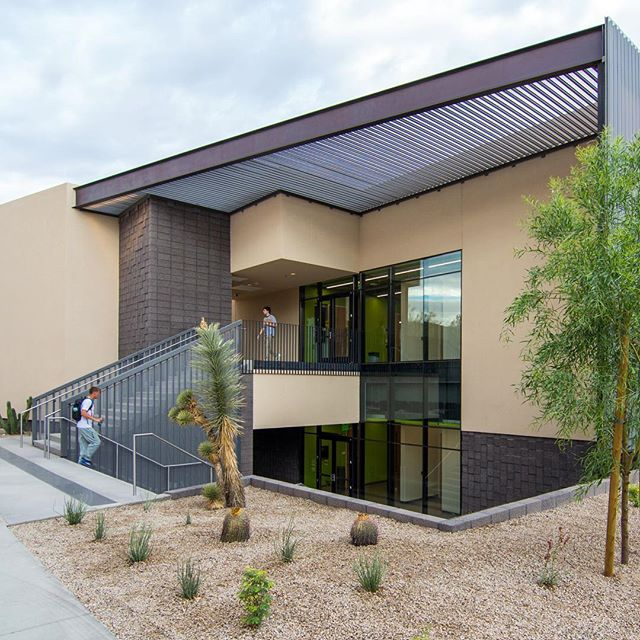Central Arizona College's recently completed Hoyt Science Building drew inspiration from the local mountain geology. The site's unique landscape influenced the design of the Palo Verde hallway canopy ceiling allowing for a playful and engaging interior design.