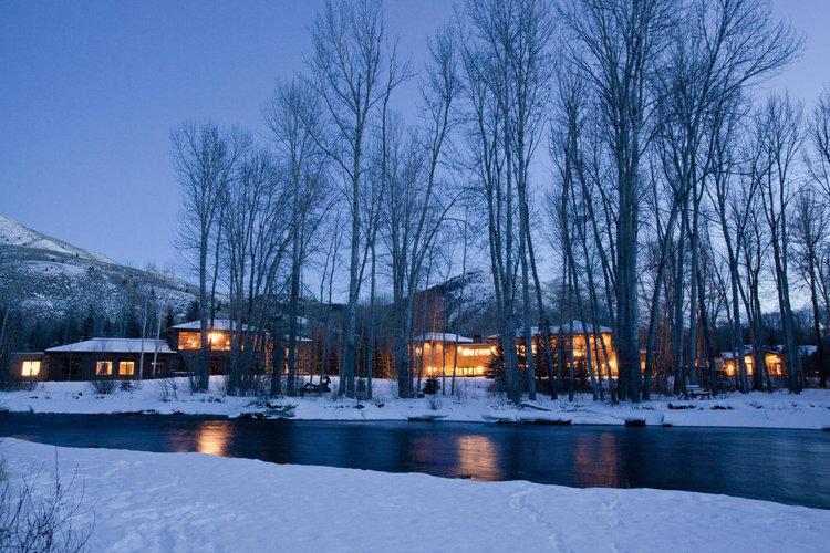 Exterior+winter.jpg