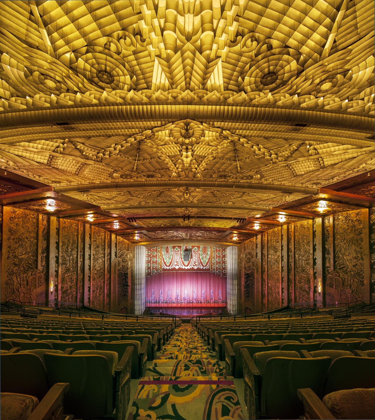 Paramount, Oakland CA