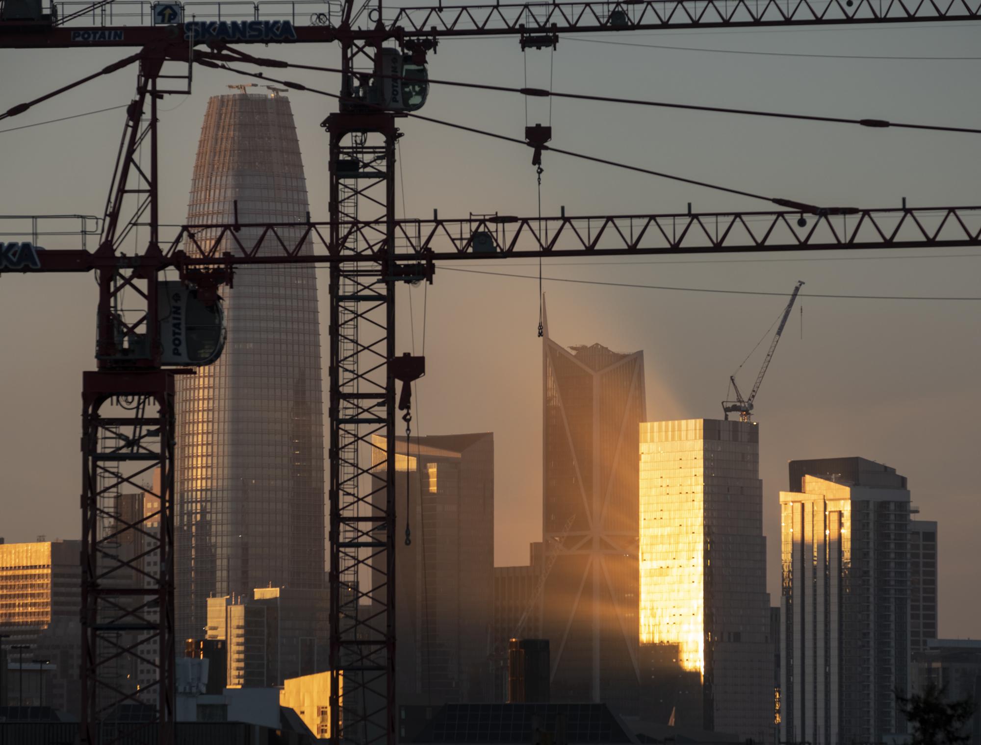 SF and The Salesforce Tower_#07_©Henrik Kam 2019.jpg