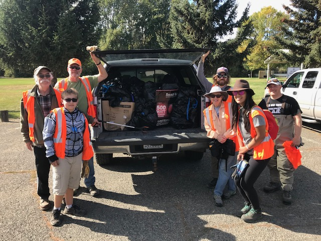 Yakima River Clean-up_volunteers.jpg