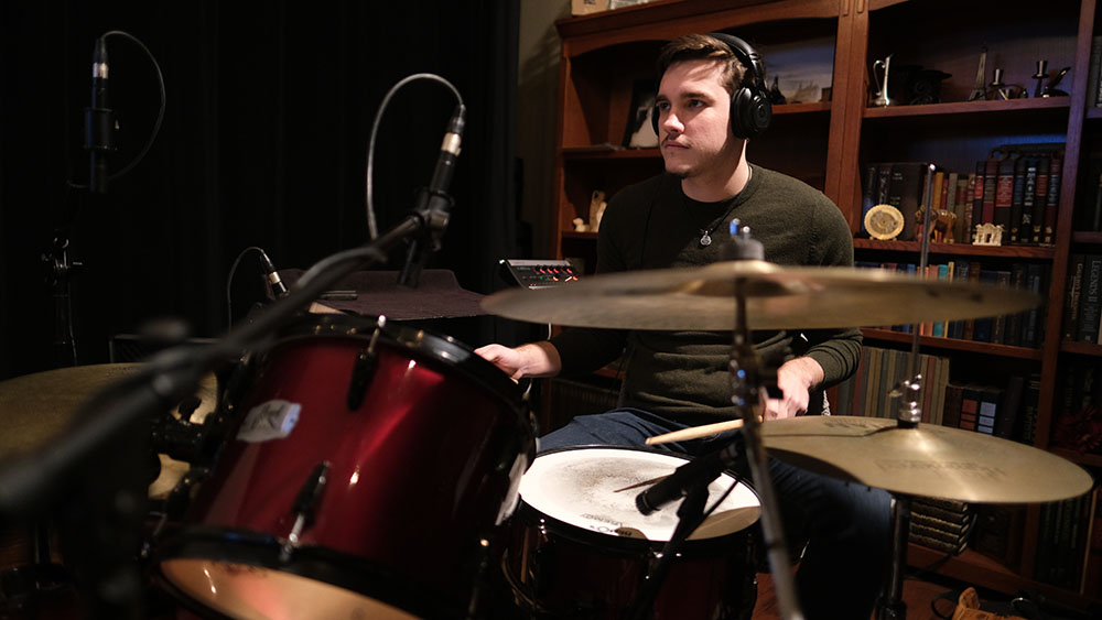 Ian Houston - Ian is the percussion specialist of the group. He came from Fredericksburg, Texas to Baylor University to study percussion performance. Though his responsibilities in Medicine Man predominantly include drumming, he will at times switch to a keyboard instrument as well. With a multi-instrumentalist like Ian, Medicine Man's versatility exceeds the sum of its parts. Currently, Ian continues his music education into postgraduate studies while taking professional auditions when he can.