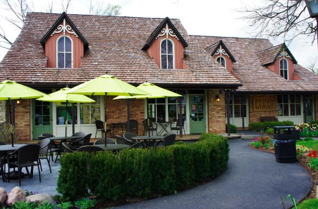 Broken Earth Winery Lodge