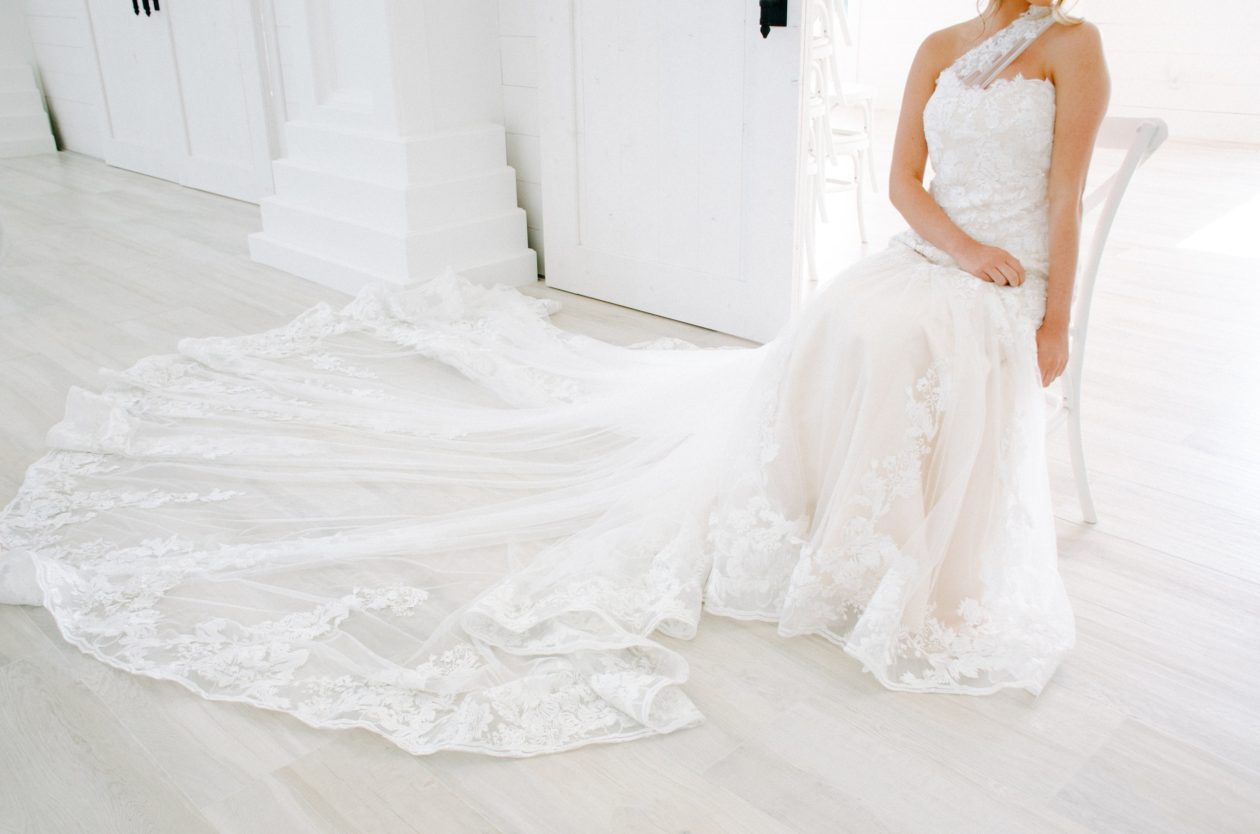 long lace wedding dress