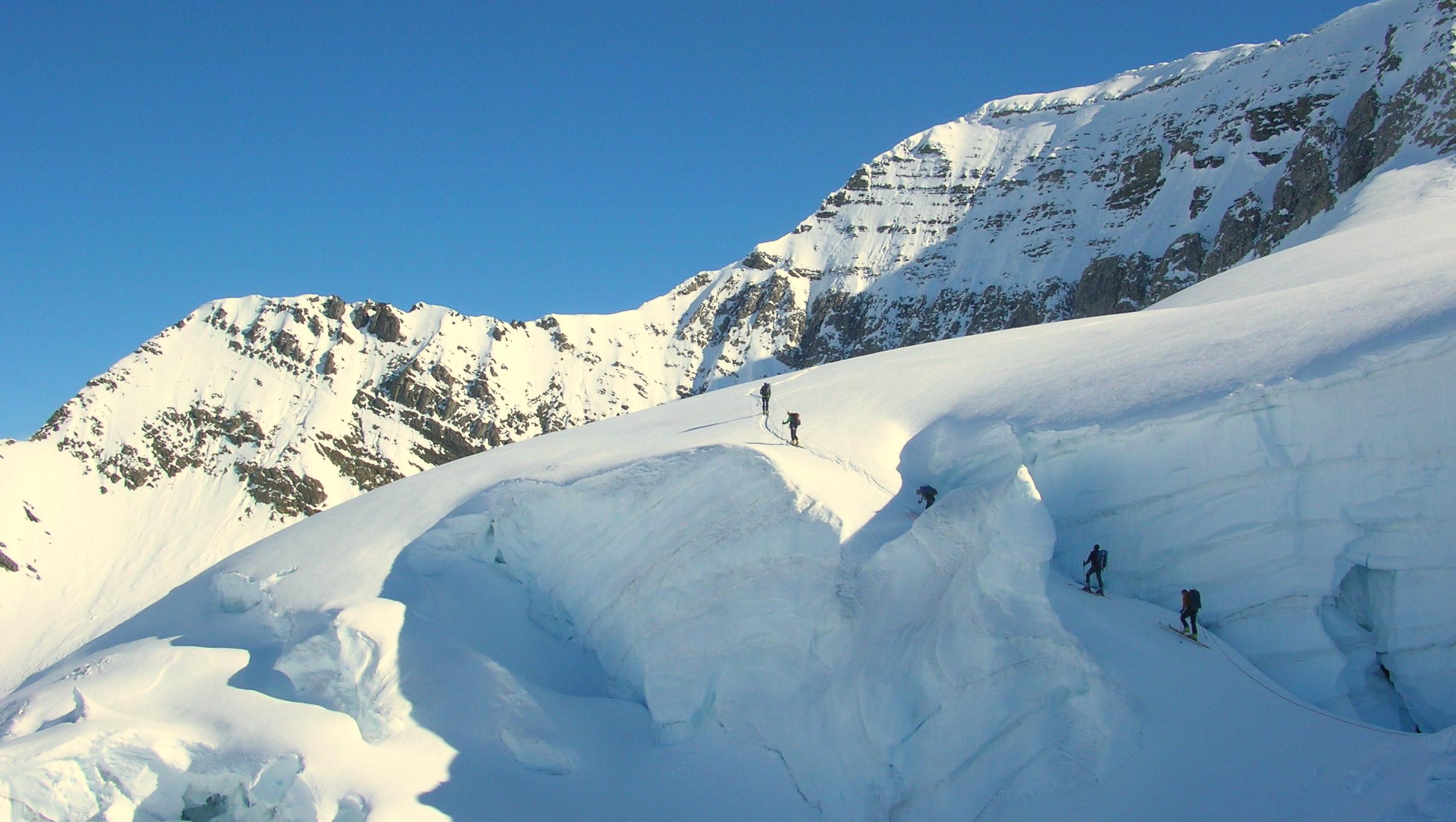 Negotiating Crevasses on Mt Clemenceau.jpg