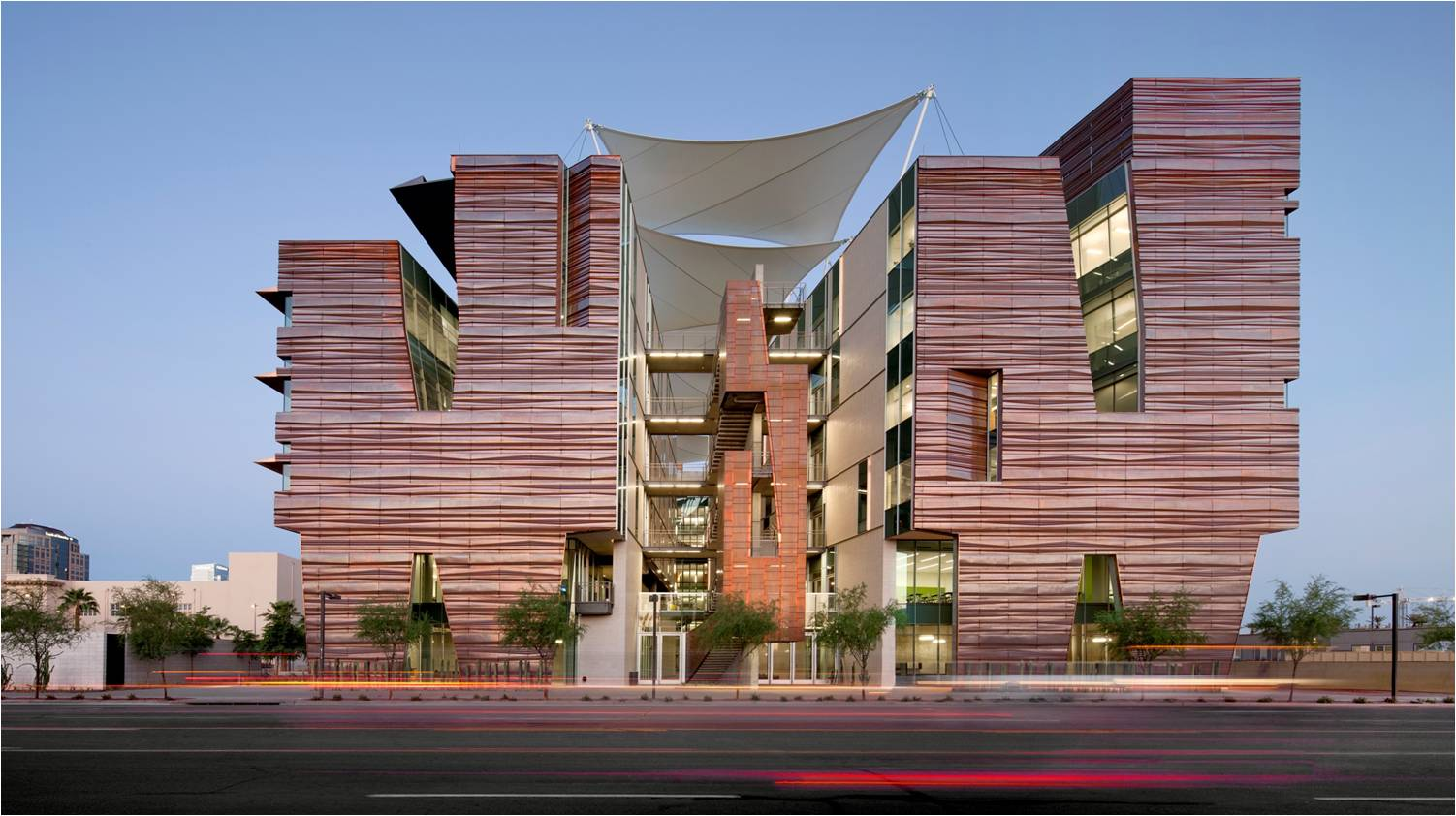 UNIVERSITY OF ARIZONA HEALTH SCIENCES BUILDING