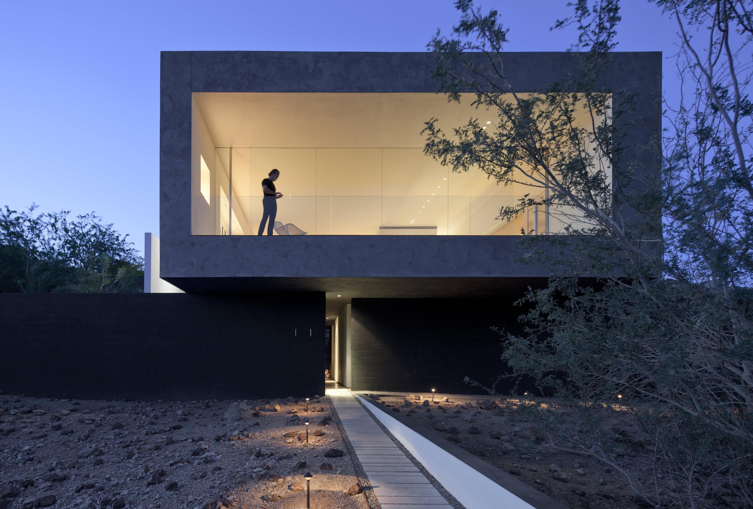 DIALOGUE HOUSE
