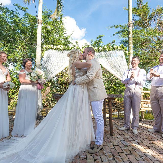 Such an amazing wedding yesterday! Congratulation to the new Mr and Mrs! #weddingphotography @redlandfarmlife