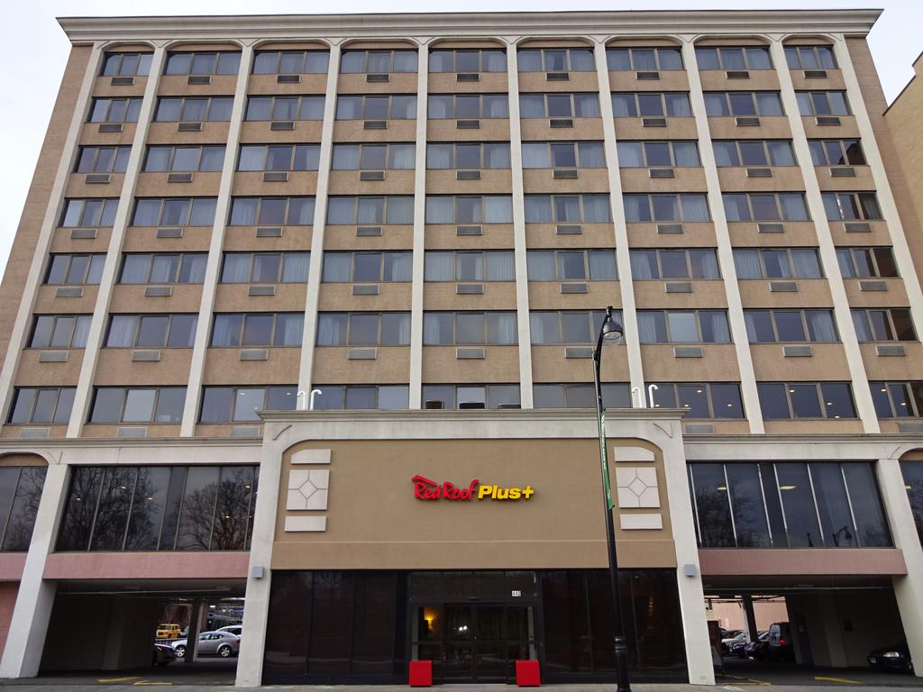 redroof inn plus    HOSPITALITY - Hartford, CT    This newly renovated hotel is located 15 minutes from Bradley International Airport and downtown Hartford
