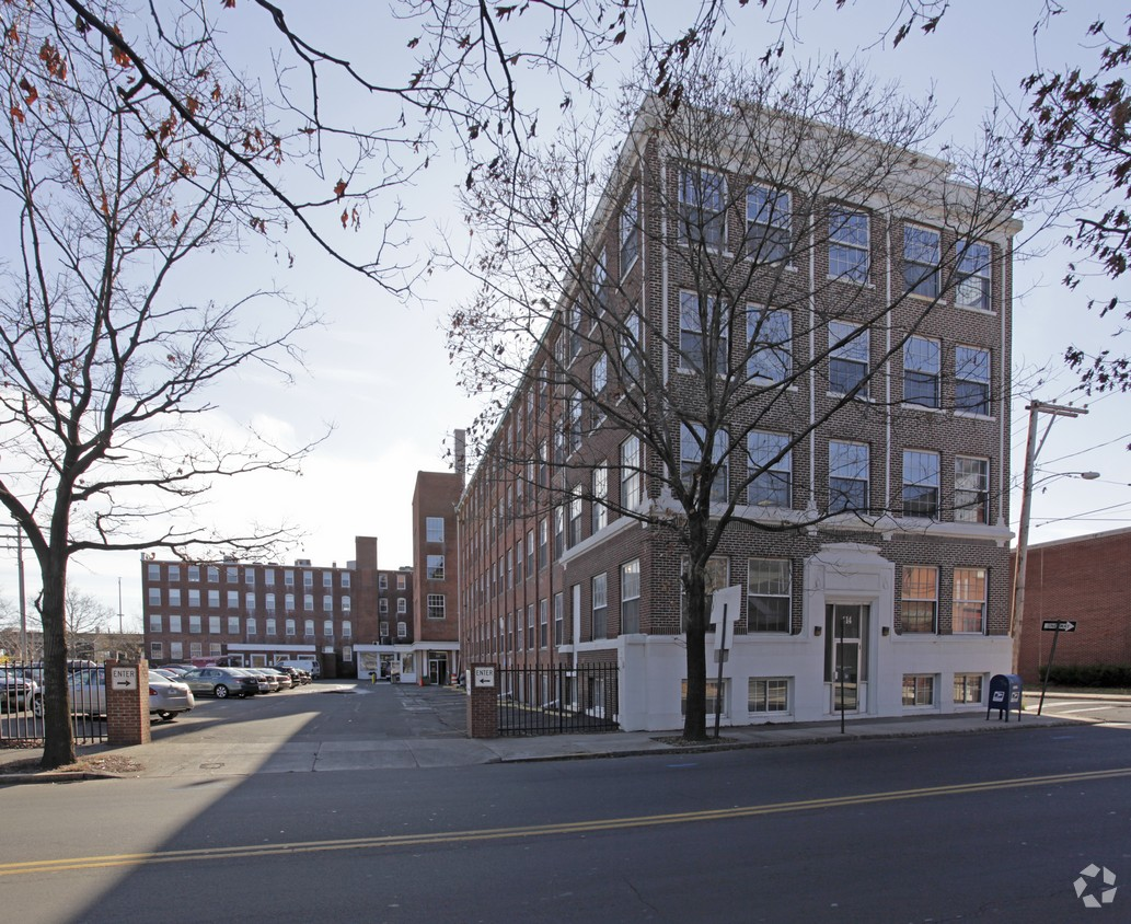 Office Building    OFFICE SPACE - New Haven, CT    88,000 square foot office building located near New Haven's historic North End