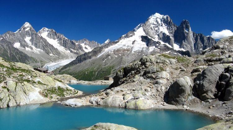 https://www.bookmundi.com/chamonix/tour-du-mont-blanc-self-guided-trek-7703