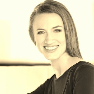 Mezzo-soprano  Abigail Coy , a native Houstonian, performs operatic repertoire, classic music theatre and traditional sacred music. She'll sing two of our favorite Christmas carols.