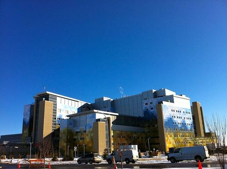 By JMacPherson - Flickr: South_Calgary_Hospital, CC BY 2.0, https://commons.wikimedia.org/w/index.php?curid=19226597
