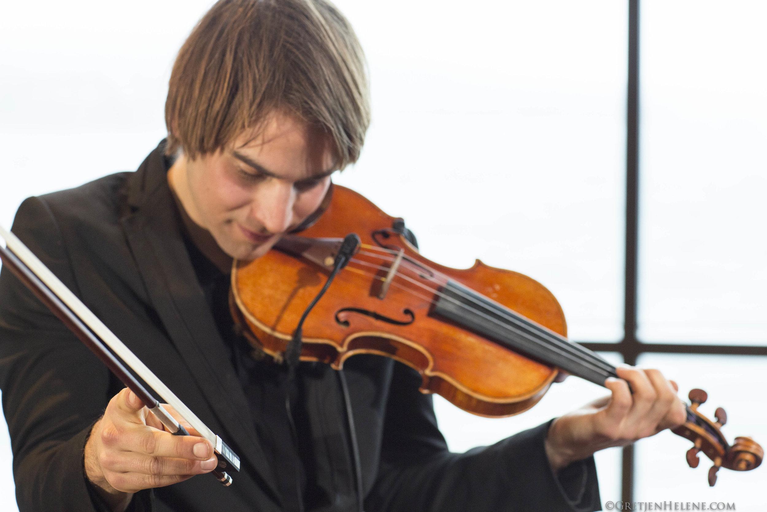 Guy Mendilow Ensemble - Chris Baum - Photo by Gretjen Helene - 300dpi