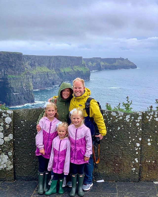 Our last day in Ireland was wonderful! We spent the morning enjoying the farm, then fit in a visit to Bunratty Castle and Folk Park, and ended with a drive through the Burren and a visit to the Cliffs of Moher. I took so many photos and videos that my phone is barely working 😂😂 on our slow internet so hopefully I'll get some stories posted later tonight 🤞🤞 Have you been watching our stories? Is there anything you want to hear more about from our trip?