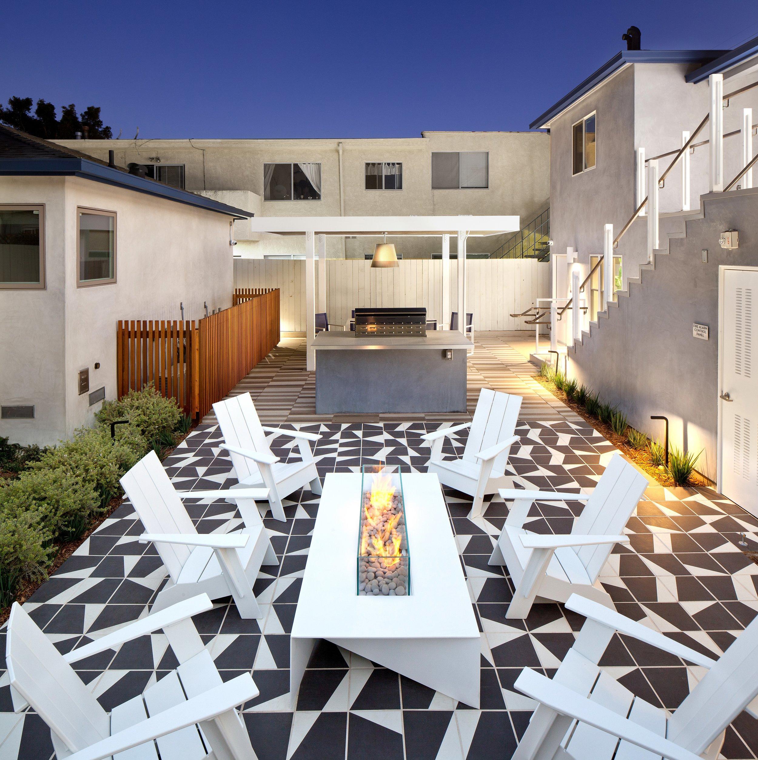 02 - Courtyard1.jpg