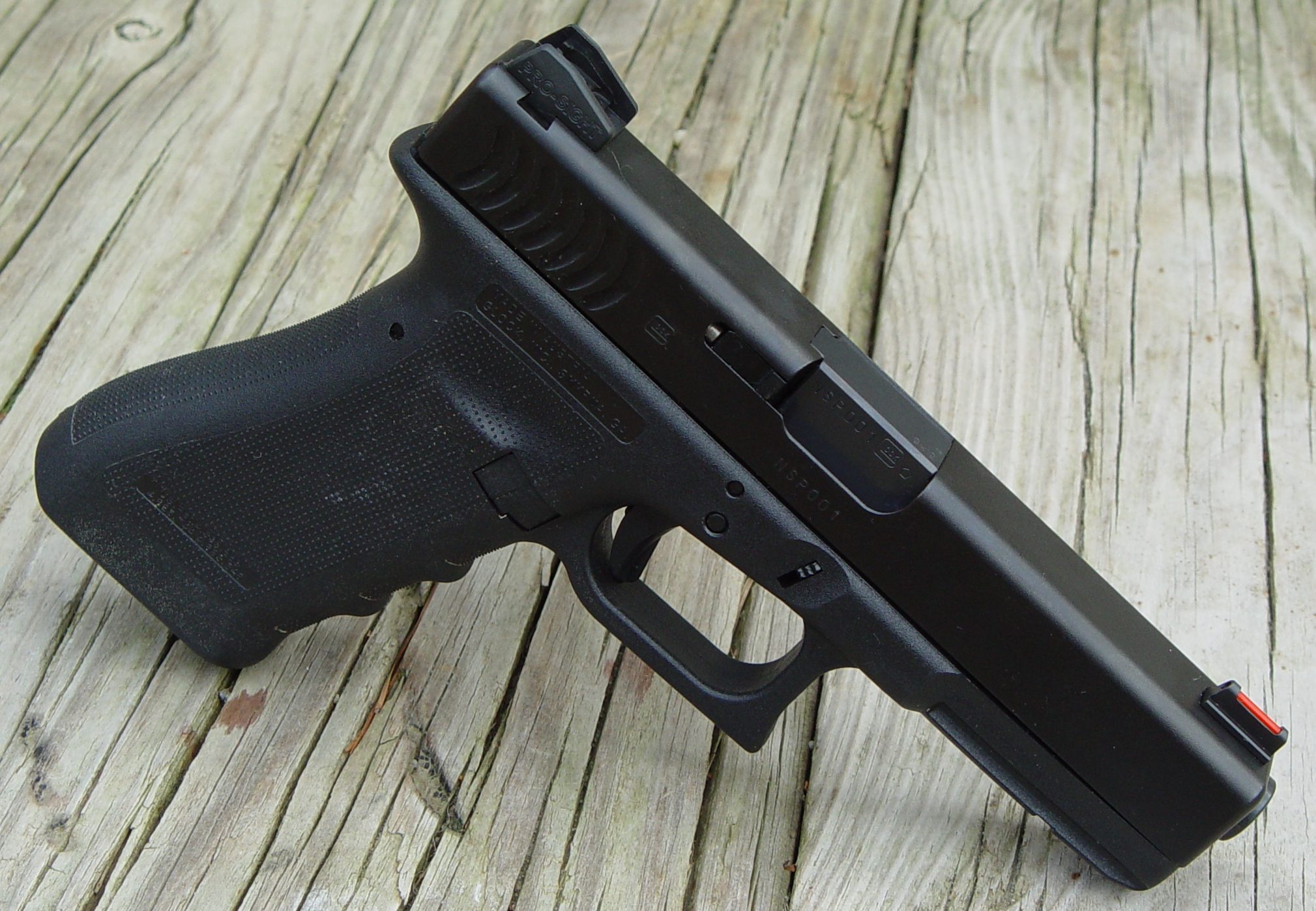 ABOVE: PRO-SIGHTS ON A GEN 3.5 GLOCK 17