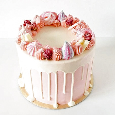 Cake for Two! - $30.00The perfect sweet treat to share with your special someone on Valentine's Day. This 4-inch cake is made for the perfect pair and comes in the following flavours: vanilla, chocolate, strawberry and red velvet. Topped with white chocolate, fresh fruit and meringue cookies!