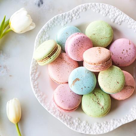 Attention all! I am taking limited orders for Easter macarons--get those orders in for the perfect treat! Mixed boxes of 1 dozen includes: strawberry shortcake, chocolate mini egg, salted caramel, honey + pistachio, earl grey, and lemon cheesecake! $26/dozen. Email sweetbayfood@gmail.com to place yours! 💕