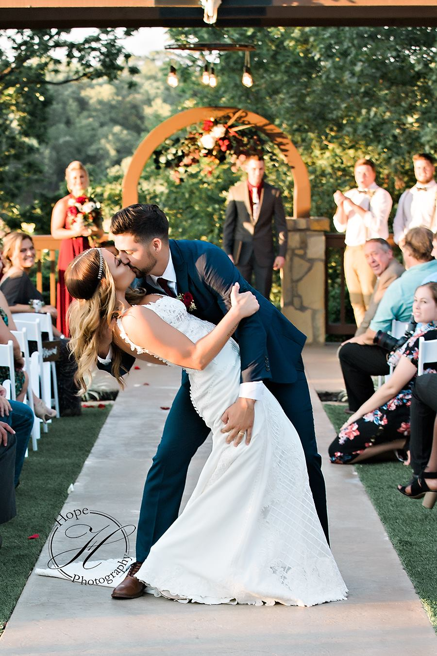 fall-wedding-oklahoma-day-of-coordinator
