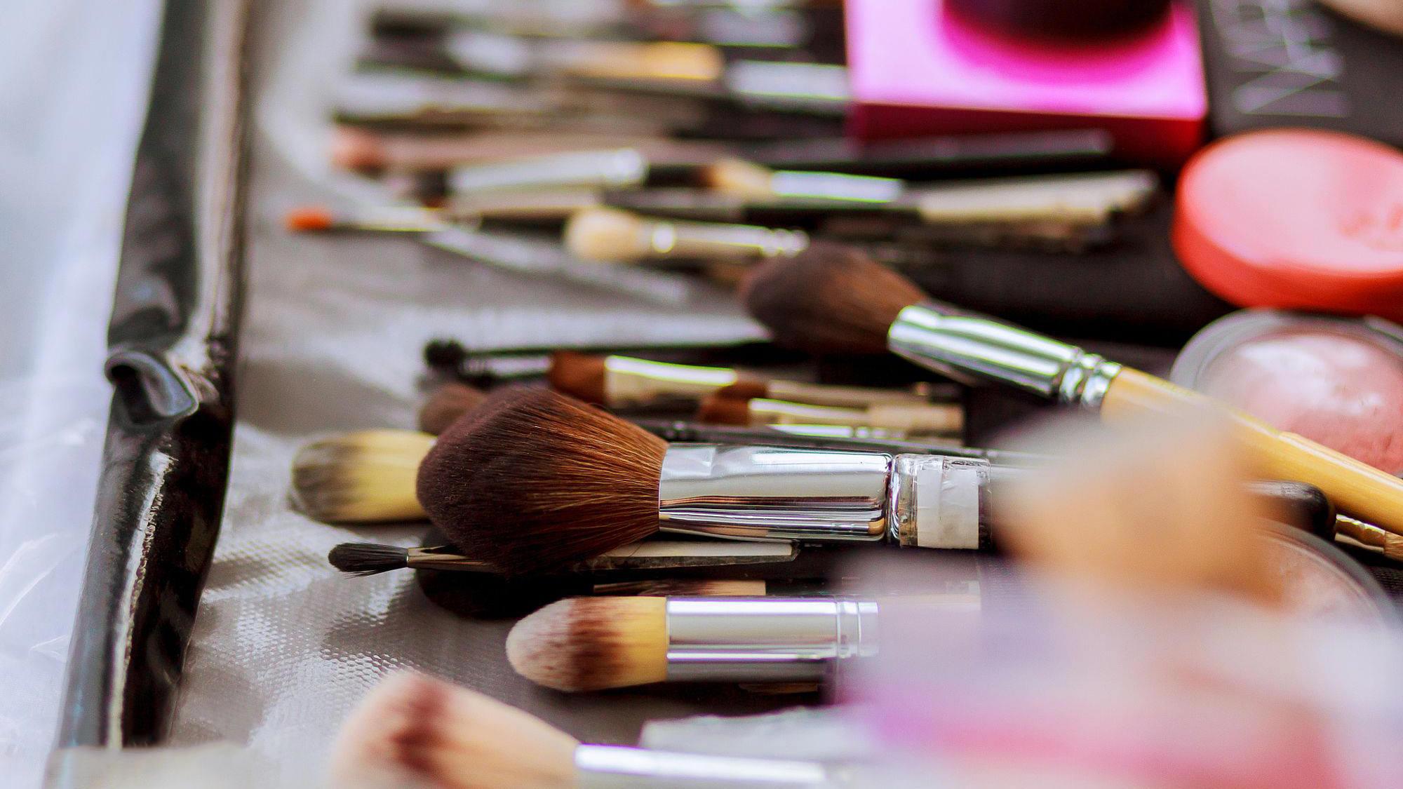 Makeup_Kit.jpg