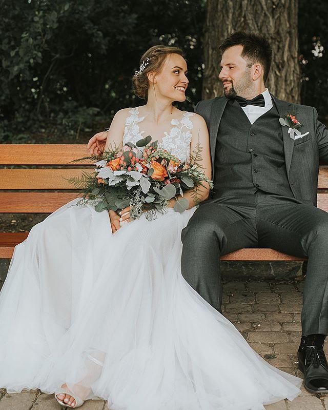 💐🌞 . . . . . . . . . . . #rockymountainbride #intimateweddingphotographer #wanderingweddings #radlovestories #belovedstories #mountainbride #vintagebride #yycweddings #yycweddingphotographer #rockymountainwedding #adventurouswedding #adventurousbride #wedphotoinspiration #intimatelove #theknot #weddinghairinspo #loveauthentic #greenweddingshoes #weddingphotography #weddinginspiration #weddinginspo #yycwedding #yycphotographer #bohoweddingideas #calgaryweddingphotographer #summerweddingdress #weddingideas #bohoweddingdress #summerwedding  #bouquetinspo