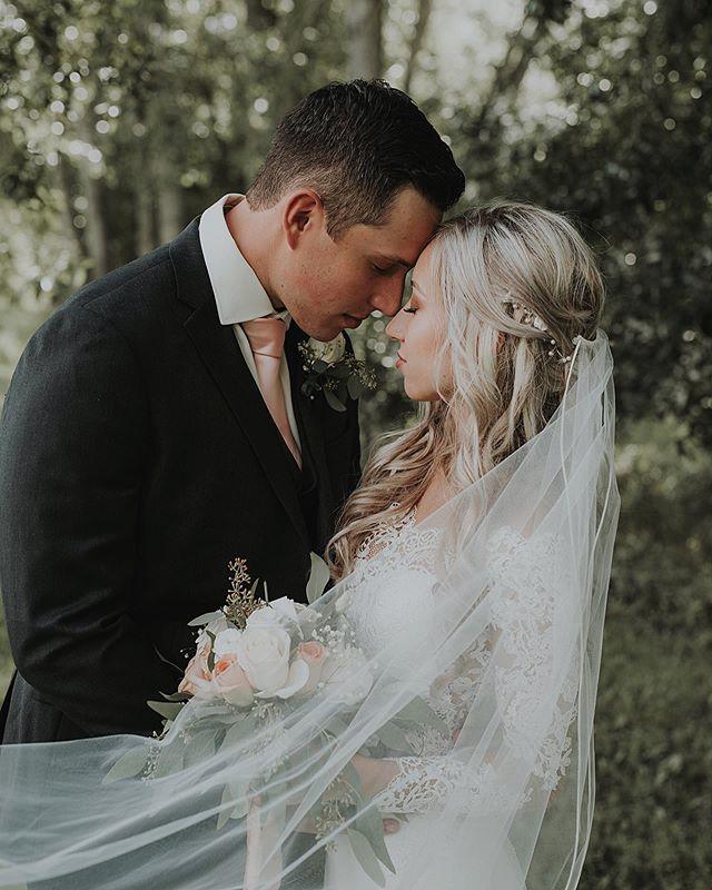 🌿 Hair by @victoriakaneyyc . . . . . . . . . #rockymountainbride #intimateweddingphotographer #wanderingweddings #radlovestories #belovedstories #mountainbride #vintagebride #yycweddings #yycweddingphotographer #rockymountainwedding #adventurouswedding #adventurousbride #wedphotoinspiration #intimatelove #theknot #weddinghairinspo #loveauthentic #greenweddingshoes #weddingphotography #weddinginspiration #weddinginspo #yycwedding #yycphotographer #bohoweddingideas #calgaryweddingphotographer #summerweddingdress #weddingideas #bohoweddingdress #summerwedding  #weddinghairstyles