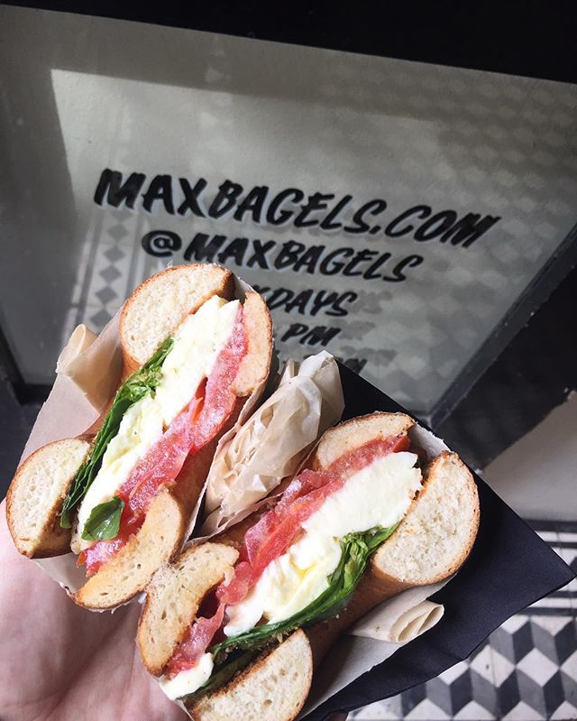 Mozzarella, tomato, fresh basil, extra virgin olive oil. Squeeze of lemon, twist of black pepper. Caprese away.  #capetownfood #breestreet #foodie #caprese #bagel #maxbagels #bestbagels #fresh #simple #classic