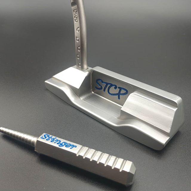 It's all in the small details 💣#customputters #divottool #golfaddict #design #golf #golfing #golflife #instagolf #golfstagram #putter #dropbombs #smallbusiness #stinger #instamachinist #stainlesssteel #flowneck #STCP