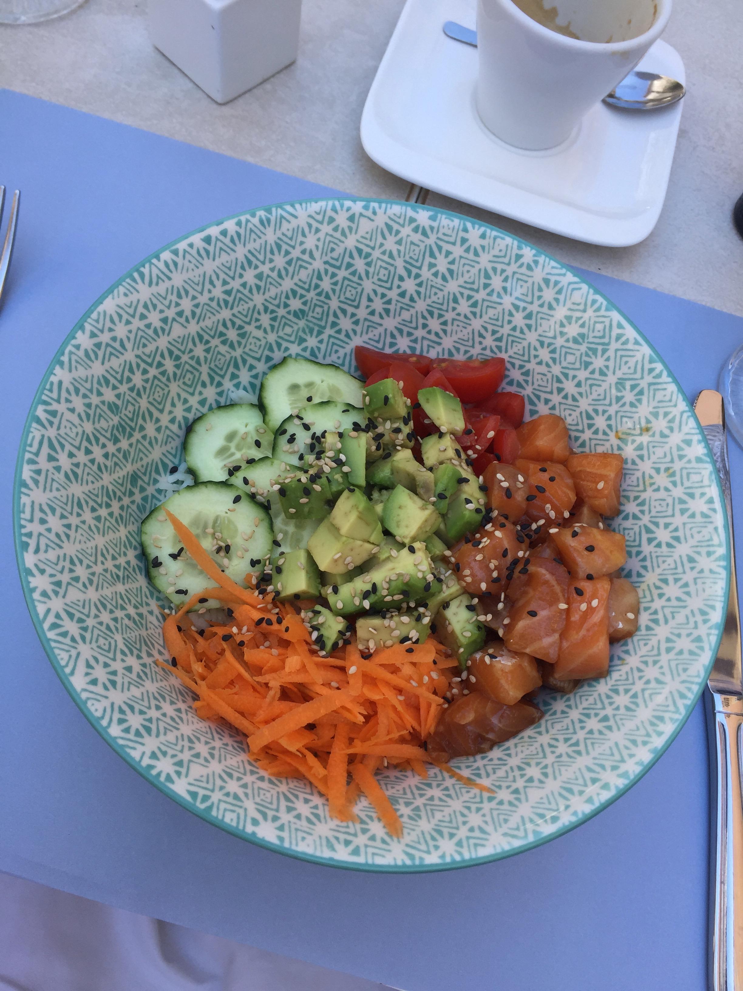 salmon poké bowl in Syracusa