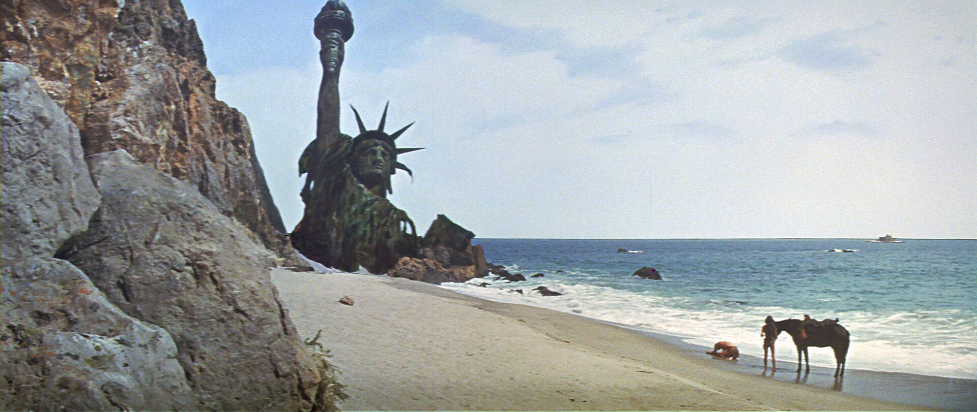 Planet of the Apes: When Lady of Liberty decides to go swimming (Image credit: Twentieth Century Fox)