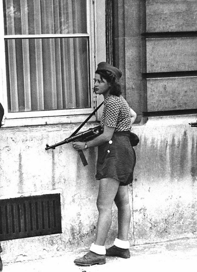 Simone Segouin was a French Résistance fighter. This picture was taken on 19 August 1944