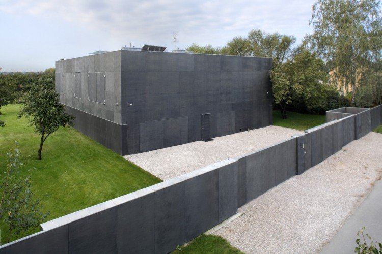 babel-moon_Fortress-House-01.jpg