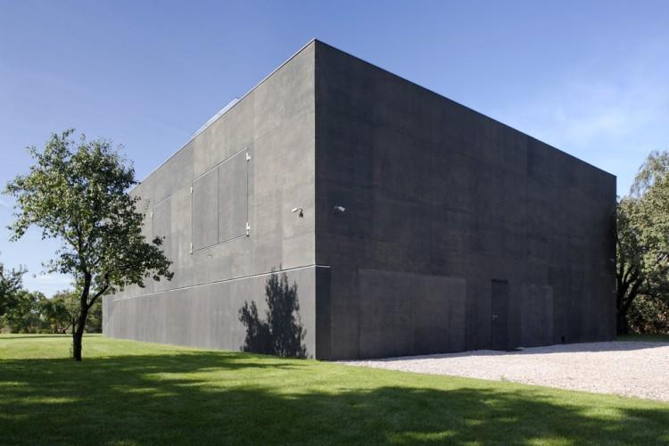 babel-moon_Fortress-House-03.jpg